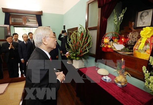 Top leader visits House No.67 in tribute to President Ho Chi Minh hinh anh 1