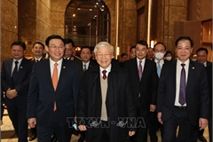 Top leader wishes Hanoi prosperous New Year