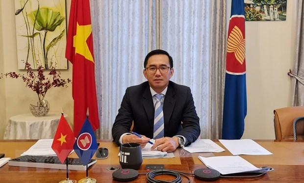 Vietnamese Ambassador assumes office as ASEAN Deputy Secretary-General hinh anh 1