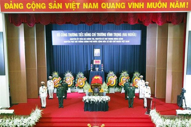 Memorial, burial ceremonies held for former Deputy PM Truong Vinh Trong hinh anh 2