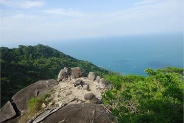 A visit to Hon Son island