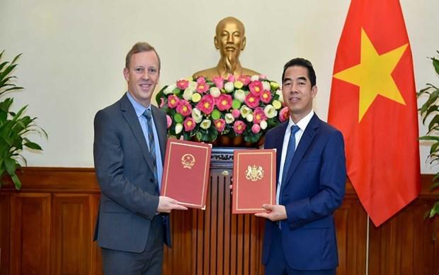 Vietnam, UK exchange official notes of UKVFTA hinh anh 1