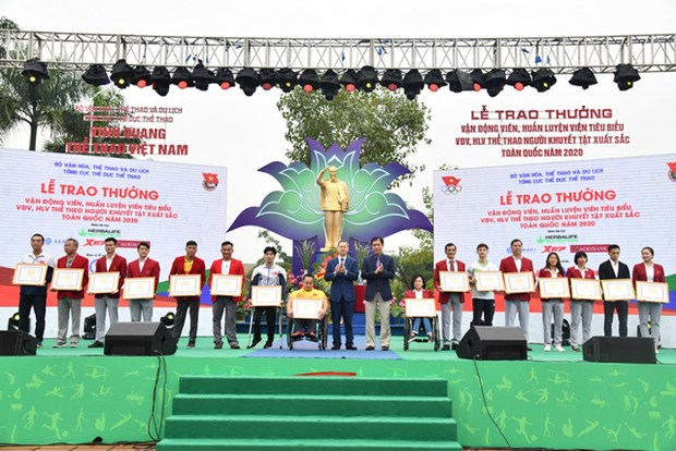 Vietnam's most outstanding athletes in 2020 honoured hinh anh 1