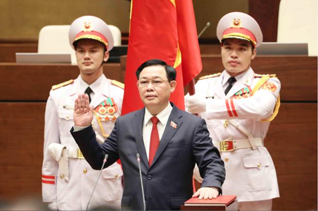 Vuong Dinh Hue elected as Chairman of NA, National Election Council hinh anh 1