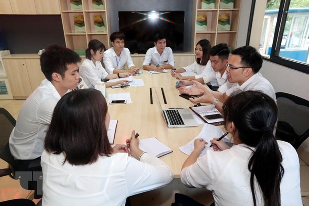 Vietnam aims to bring 90,000 labourers to work abroad in 2021 hinh anh 1