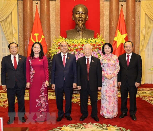 Duty handover ceremony held between former, new State Presidents hinh anh 1