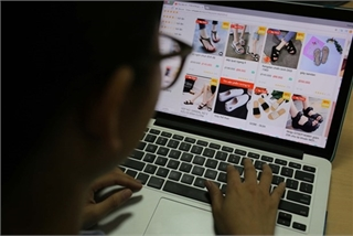 More people in rural areas shopping online