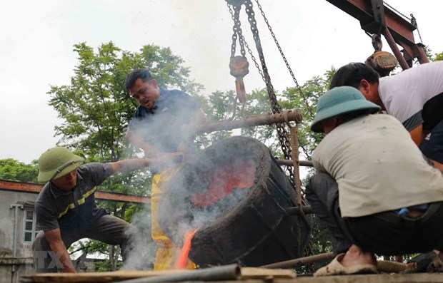 Around 300-kg bronze drum being made to mark national elections hinh anh 1