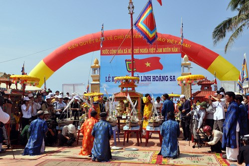 Soldiers safeguarding national sovereignty commemorated hinh anh 1