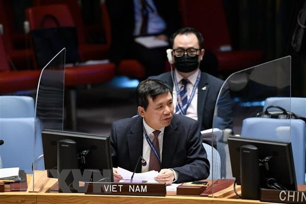 Vietnam emphasises need to immediately end violence in Myanmar hinh anh 1