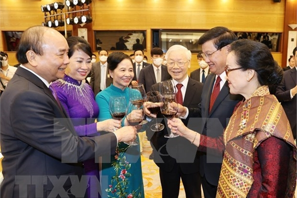 Vietnam and Laos issue joint statement