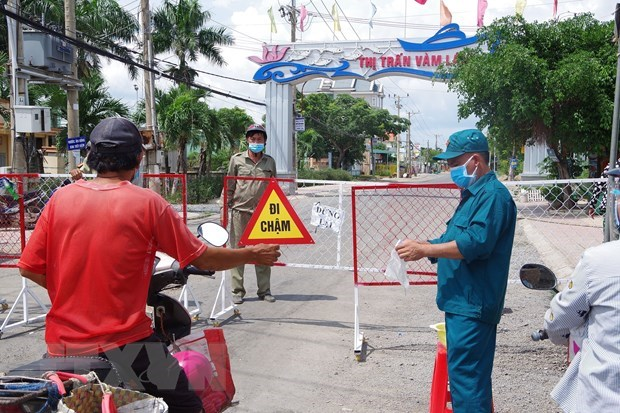 Health Ministry confirms 805 new COVID-19 cases on July 15 morning hinh anh 1