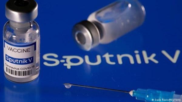 Vietnam hopes to procure Sputnik V COVID-19 vaccine in July hinh anh 1
