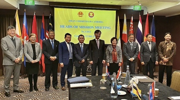 Vietnam chairs meeting of ASEAN Committee in Canberra hinh anh 1
