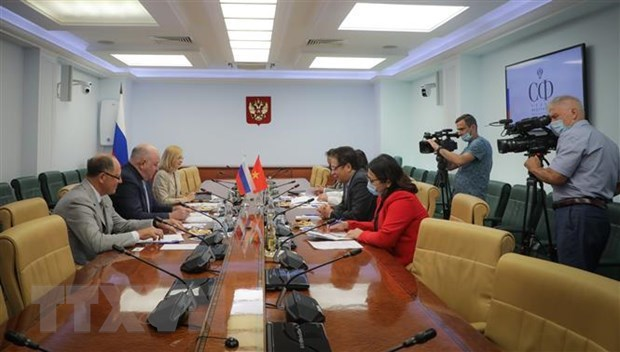 Vietnam proposes Russia foster transfer of vaccine production technology hinh anh 1