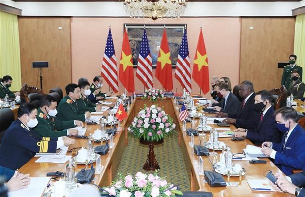 US Secretary of Defence pays official visit to Vietnam hinh anh 1