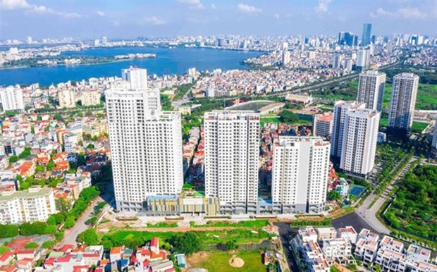 Banks tighten loans for real estate businesses hinh anh 1