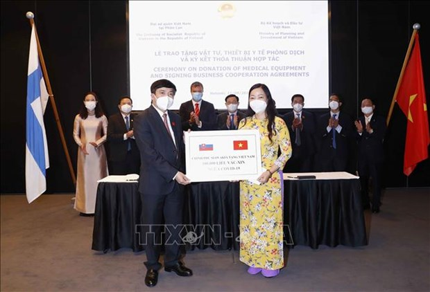 NA Chairman witnesses signing of deals between Vietnamese and European firms hinh anh 1
