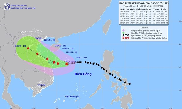 Central localities ramp up efforts to brace for Typhoon Conson hinh anh 1