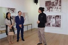 Vietnamese-Belgian painter uses wavelength prints to depict life in Vietnam