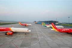 Ministry proposes two plans on resuming Hanoi-HCM City flights
