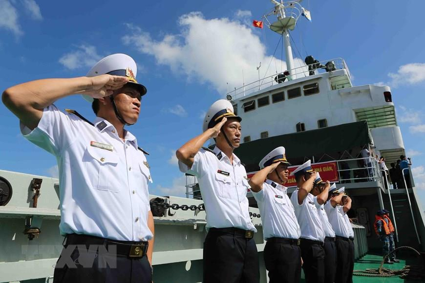 Naval officers and soldiers prepare to take on mission in Truong Sa (Spratly) archipelago (Photo: VNA)