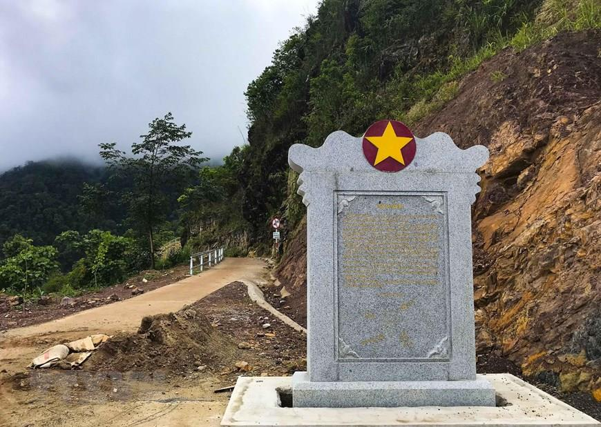 Signpost to the westernmost point of A Pa Chai (Photo: VNA)