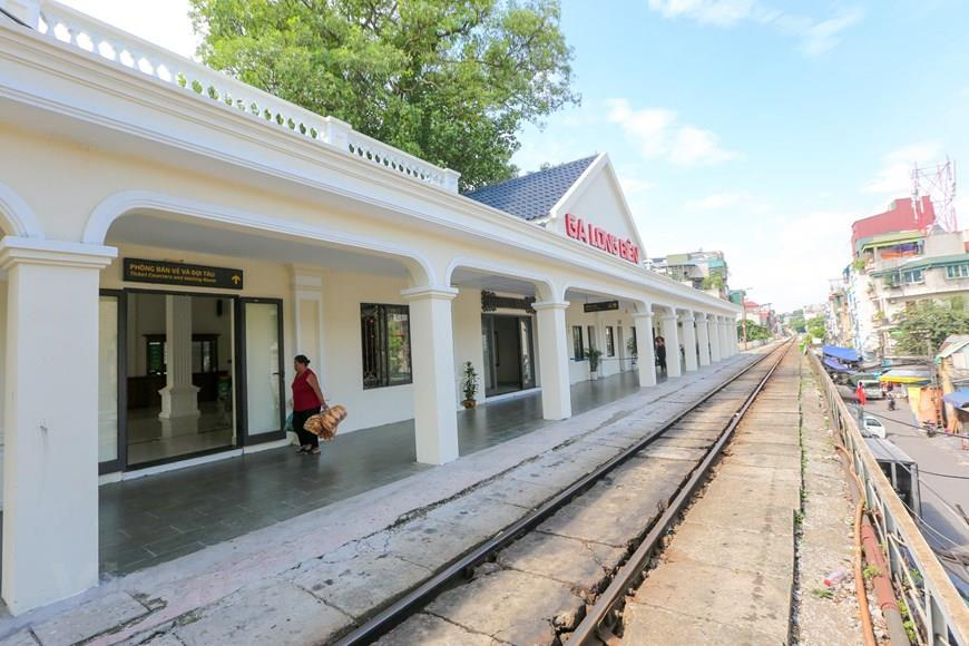 Long Bien Station is the starting point for trains departing from Hanoi to Hai Phong, Thai Nguyen, Lao Cai and Dong Dang (Lang Son) (Photo: VNA)