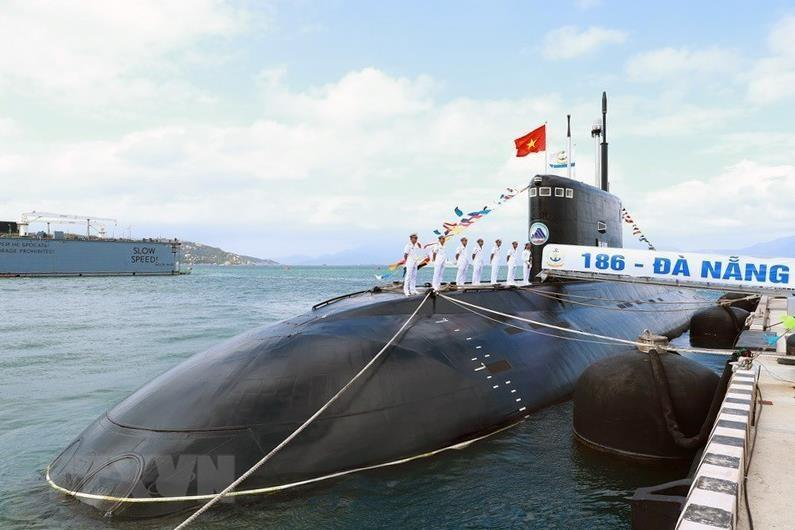 Russia has already handed over Vietnam six submarines. HQ-182 Hanoi is the first submarine, arrived in Cam Ranh in January 2014. The other fives are named as Ho Chi Minh, Hai Phong, Khanh Hoa, Da Nang, and Ba Ria – Vung Tau (Photo: VNA)