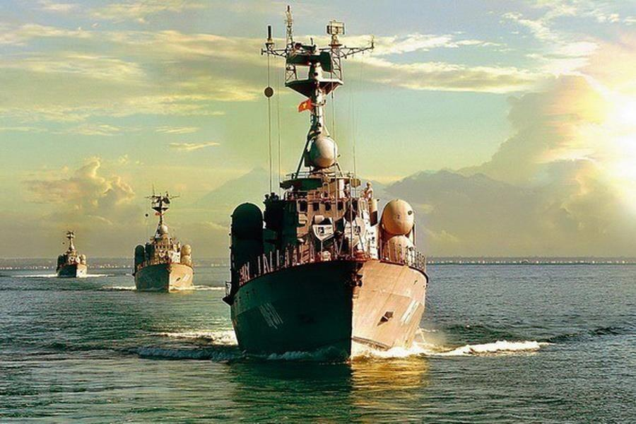 Following Project 1241.RE Tarantul – class guided missile corvette, the Vietnam People's Navy continues to buy Project 1241.8 Tarantul-class Molniya corvette with modern missile system from Russia, helping improve the naval forces' strength in safeguarding national sovereignty over sea and islands (Photo: VNA)