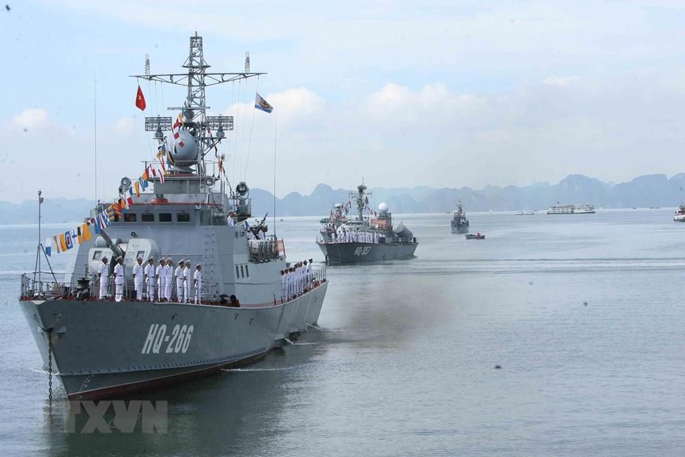 Artillery ship HQ-266 and missile corvette HQ-357 are among state-of-the-art surface warships of the Vietnam People's Navy (Photo: VNA)