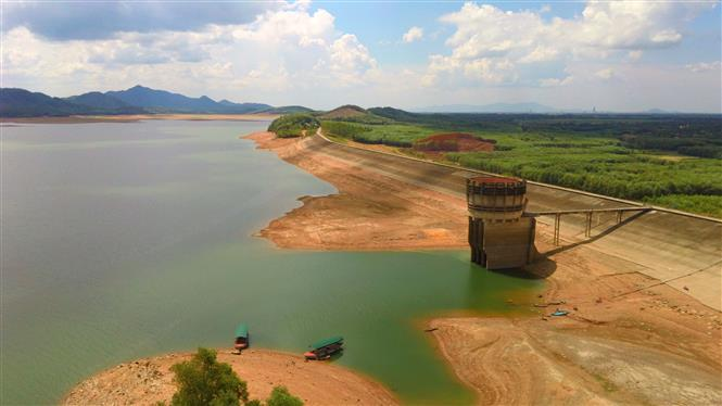 The lake is a large irrigation work with the water volume of 350 million cubic metres, sufficient for supplying 17,000 hectares of rice (Photo: VNA)