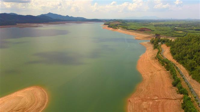 Ha Tinh authorities are calling for investment to make Ke Go Lake and Ke Go Nature Reserve an eco-tourism area (Photo: VNA)