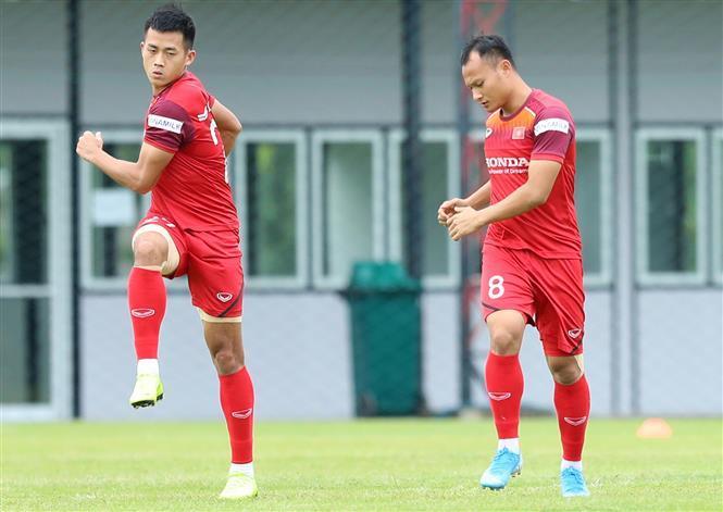 Striker Minh Tuan and fullback Trong Hoang (Photo: VNA)