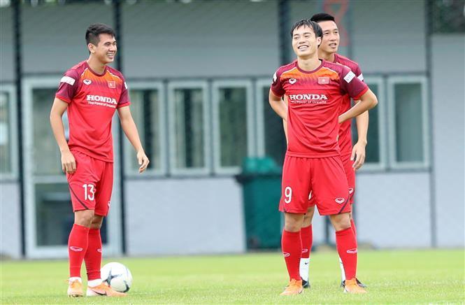 Fullback Van Kien (left) and striker Van Toan (Photo: VNA)