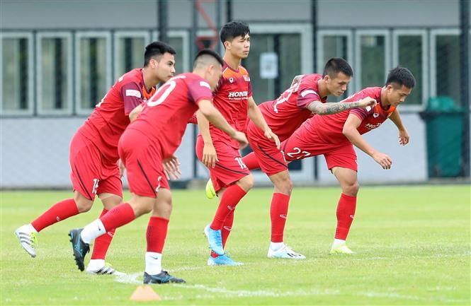 Vietnamese football players during their final training session in Thailand preparing for the upcoming Group G opener of the 2022 FIFA World Cup Asian Qualifiers second round against hosts Thailand on September 5 (Photo: VNA)