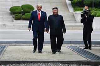 Ý nghĩa đặc biệt của cuộc gặp ngẫu hứng Trump-Kim