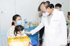 Chủ tịch nước thăm, tặng quà tại Bệnh viện Nhi đồng TP.HCM