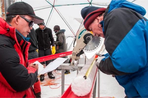 Tìm thấy virus 15.000 tuổi dưới sông băng Tây Tạng