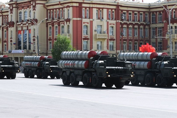 Mỹ 'đi đêm' dụ Ấn Độ hủy bỏ thương vụ S400 với Nga