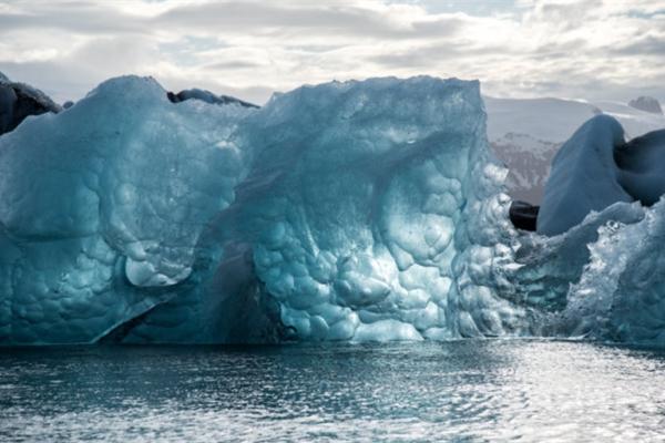 Nguy cơ phát tán hàng chục virus lạ từ lớp băng hơn vạn năm
