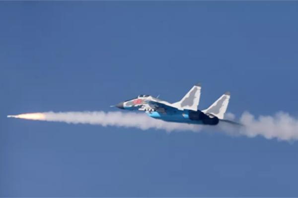 Hình ảnh hiếm hoi chiến đấu cơ MiG-29 Triều Tiên khai hỏa diệt gọn mục tiêu