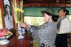 Chủ tịch QH thăm Khu di tích Căn cứ Trung ương Cục miền Nam