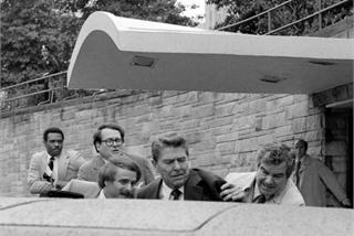 Vụ ám sát hụt Tổng thống Mỹ Ronald Reagan cách đây 40 năm