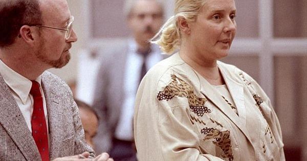 Bi kịch gia đình và vụ ly hôngây chia rẽ nước Mỹ