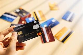 Sẽ quản chặt hình thức cho vay tiêu dùng qua thẻ tín dụng