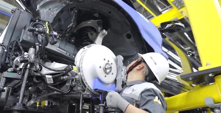 Ngành công nghiệp ô tô: Hai điểm nghẽn cần giải quyết