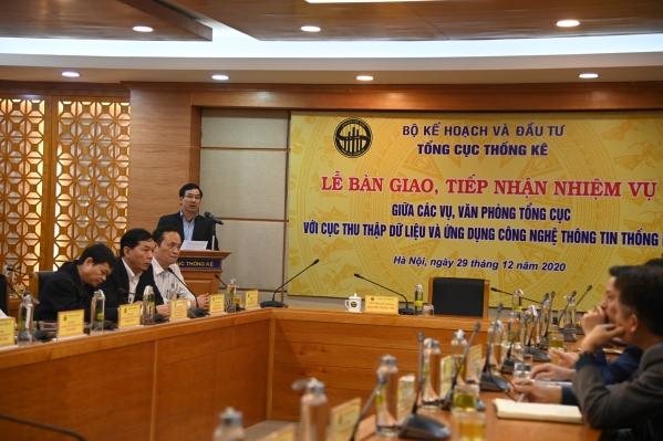 Lễ bàn giao tiếp nhận nhiệm vụ giữa các vụ, văn phòng Tổng cục thống kê với Cục Thu thập dữ liệu và Ứng dụng công nghệ thông tin Thống kê 1