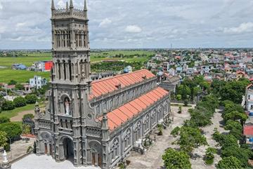 Đền Thánh Sa Châu - nhà thờ Nam Định đẹp uy nghi như ở trời Âu