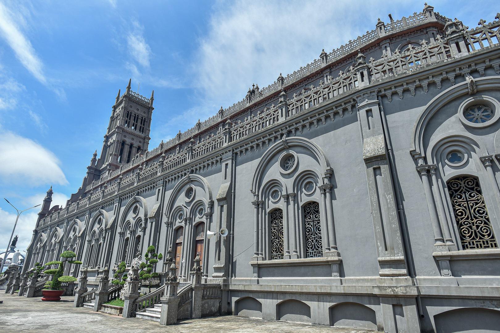 Đền Thánh Sa Châu - nhà thờ Nam Định đẹp uy nghi như ở trời Âu - Ảnh 9.
